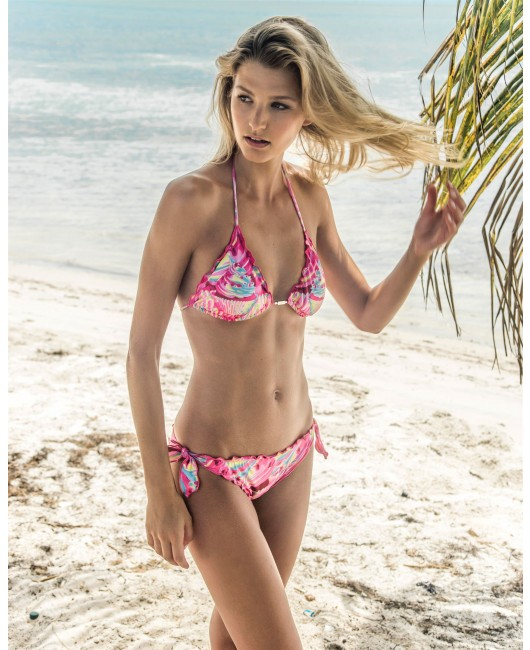 eniqua CANDY MONSTER TRIANGLE Ruffl.   exclusive bikini on beach